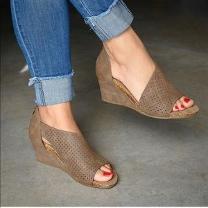 """Slip On Shank Open Toes 2"""" Wedges size 12 New"""